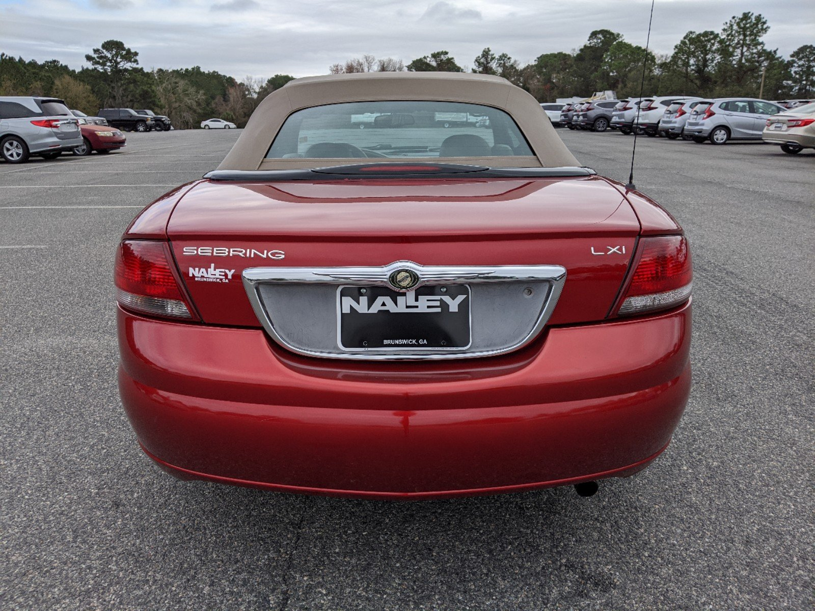 Pre-Owned 2003 Chrysler Sebring LXi